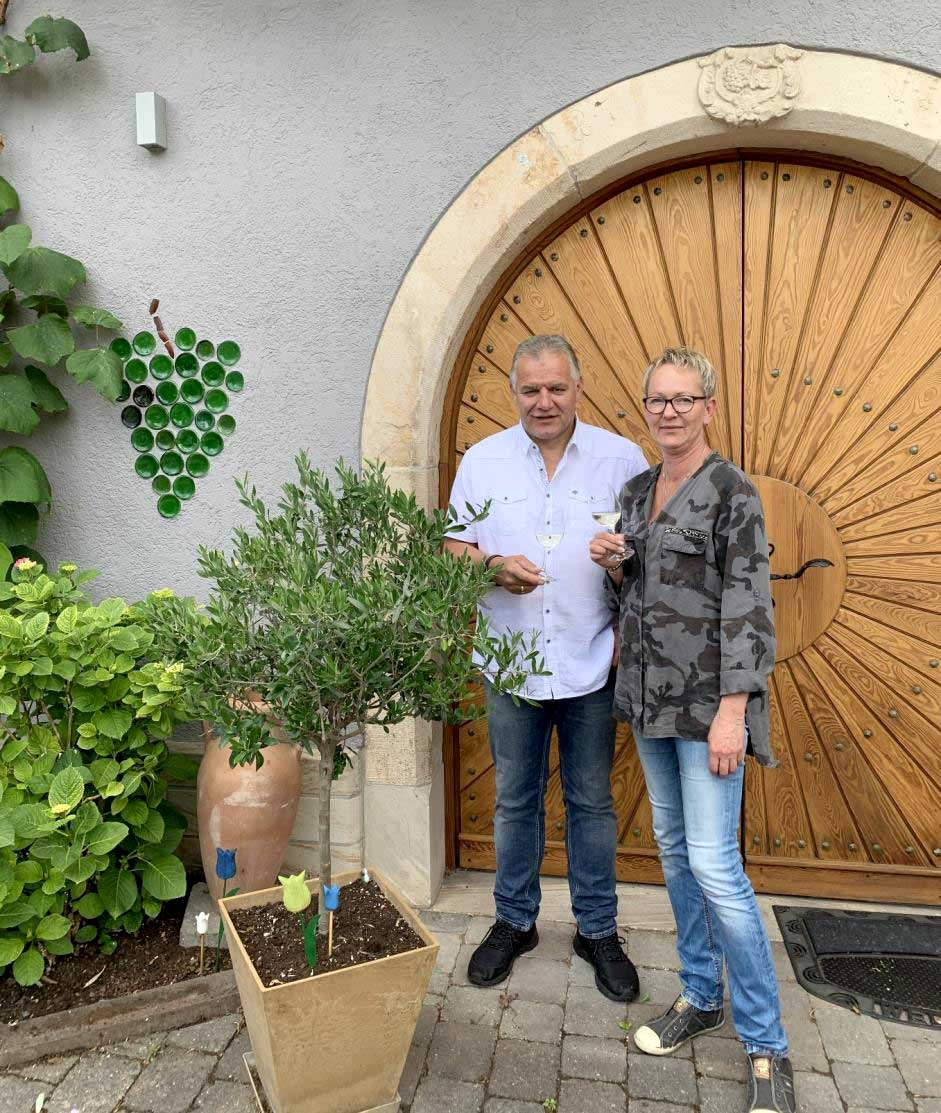 An alle Weinfreunde unseres Hauses
